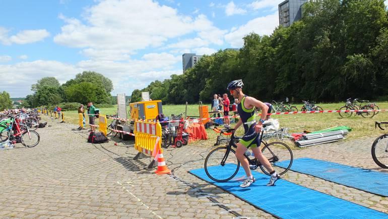 triathlon-966942.jpg