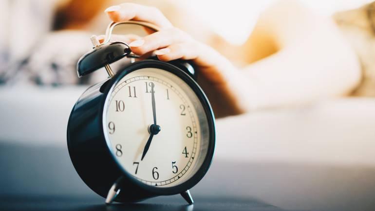 vintage-alarm-clock-morning-routine-picjumbo-com.jpg